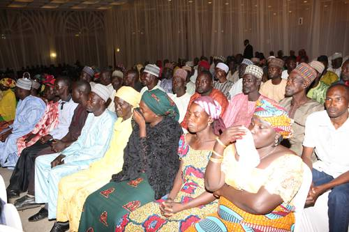 Photos: Goodluck Jonathan Meets With Escaped Chibok Girls And Some Parents 3