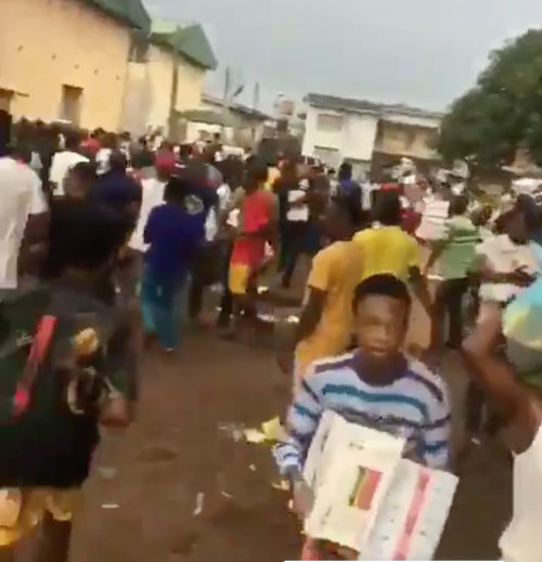Security Operatives Open Fire On Residents After Looting Of COVID-19 Palliatives Warehouse In Edo | Sahara Reporters