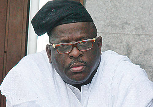 https://secure.saharareporters.com/sites/default/files/styles/normal_medium/public/buruji-kashamu-3.jpg?itok=F7l8yBmm