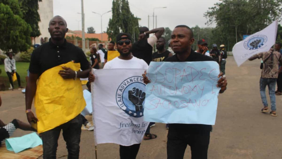 "Ilaje youths demonstrating over the ""total neglect of their oil-rich communities"" by the government"